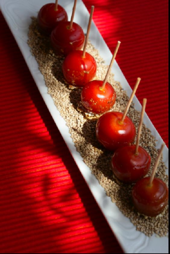 Tomates d'amour au poivre du Sichuan et graines de sésame